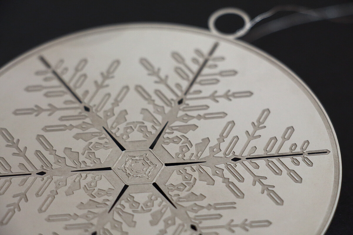 Product design: etched xmas decoration by Broadbase
